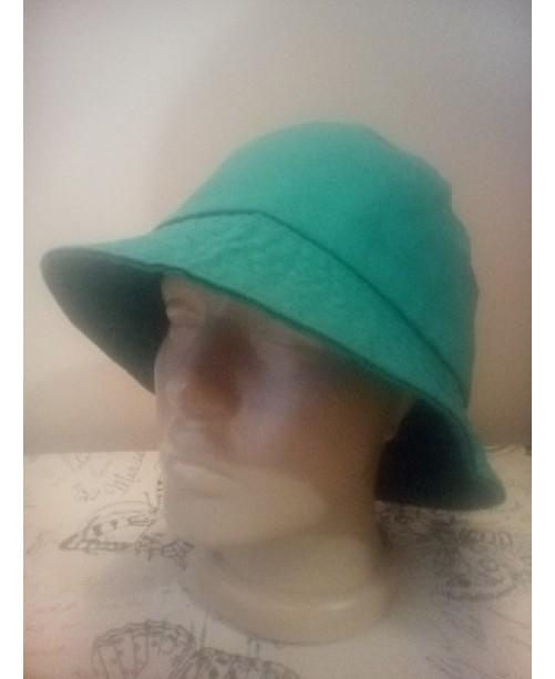 Зелена памучна шапка Идиотка