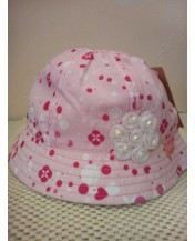 Розова детска шапка Перлички