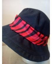 Черна дамска шапка Цветна лента 1